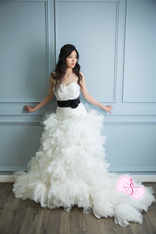 Selina\'s Bridal Shop | San Francisco Bridal Makeup Artist